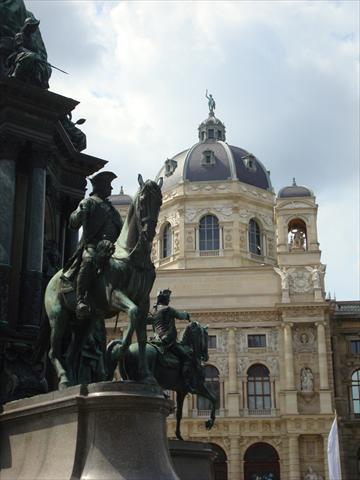 Naturhistorisches Museum and M...